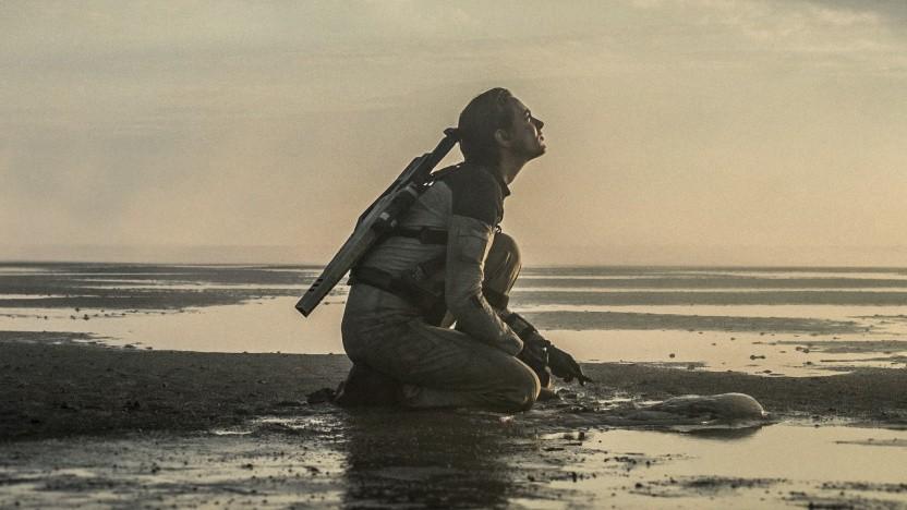 Und wieder auf der Erde: die Astronautin Louise Blake (Nora Arnezeder)