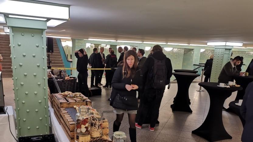 Büfett in der U-Bahn: Eröffnung des BTS-Hotels im November 2019