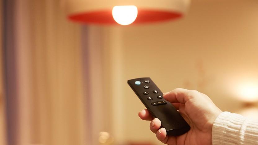 Wiz-Leuchtmittel lassen sich mit einer Fernbedienung steuern.