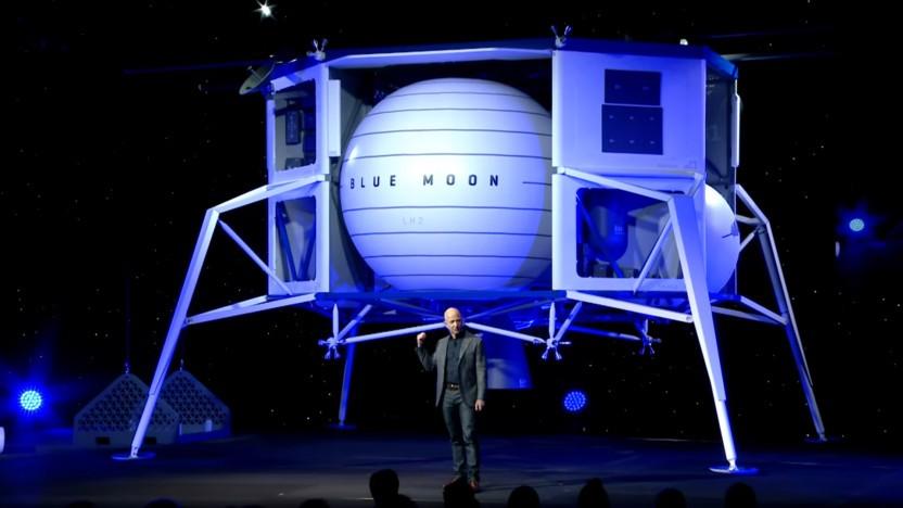 Jeff Bezos bei der Vorstellung des Blue-Moon-Mondlanders.