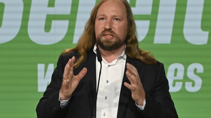 Grünen-Fraktionschef Anton Hofreiter vertraut auf die Behörden bei der Genehmigung der Gigafactory.