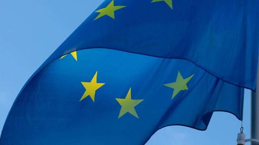 Die EU-Kommission nimmt sich des Themas Langlebigkeit von Smartphones und Tablets an.