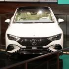Mercedes-Benz: Business-Limousine EQE soll 660 Kilometer weit kommen