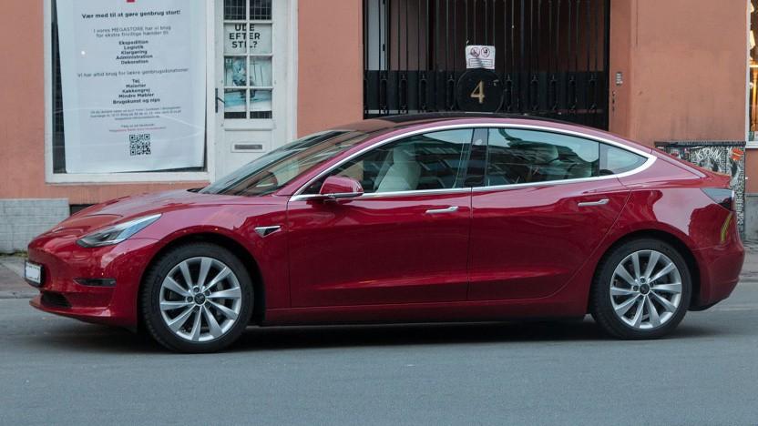 Tesla Model 3: Fahrerüberwachung auch in älteren Modellen mit Radar