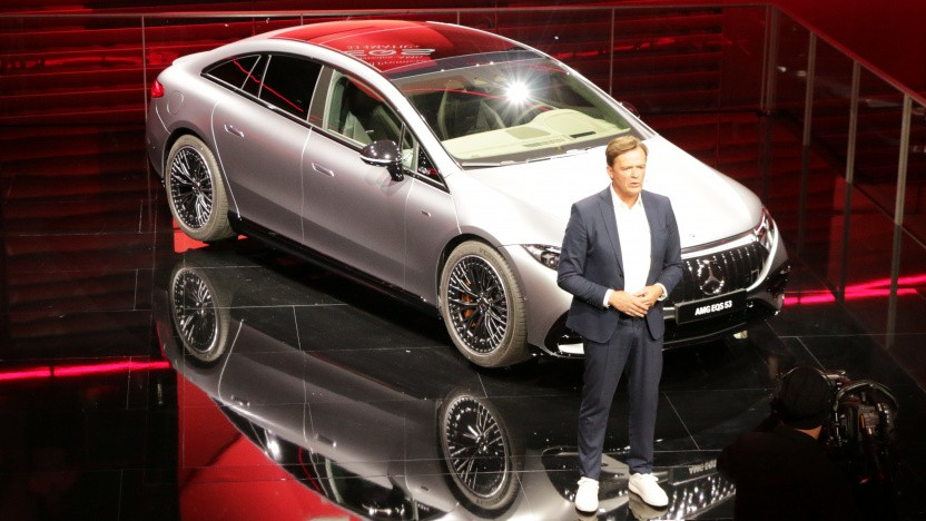 Daimler-Vorstand Markus Schäfer präsentiert den vollelektrischen AMG auf der IAA 2021.