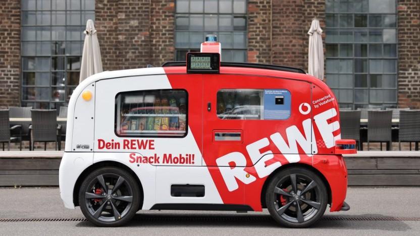 Das Snackmobil von Rewe und Vodafone rollt durch Köln.