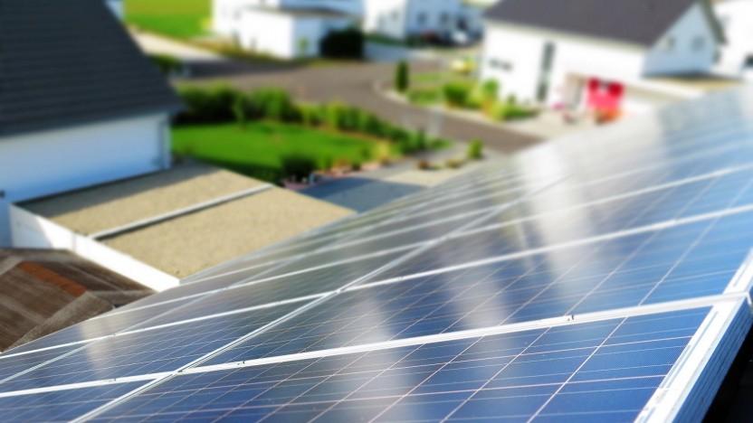 Solaranlage in einem Wohngebiet