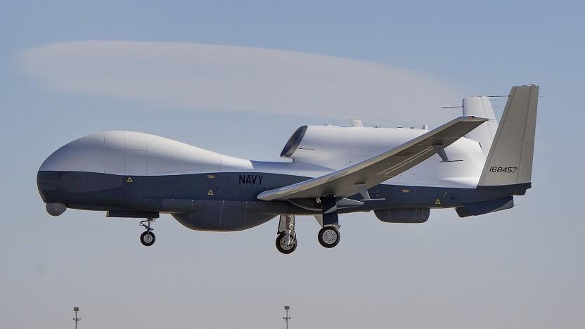 Die RQ-4 Global Hawk (hier als MQ-4C-Navy-Version) ist eine der Drohnen, die für Luftspionage genutzt wird.