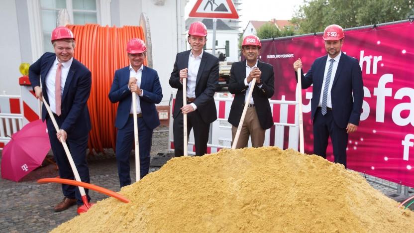 Die Telekom will im Saarland über 120.000 Haushalte mit FTTH versorgen.