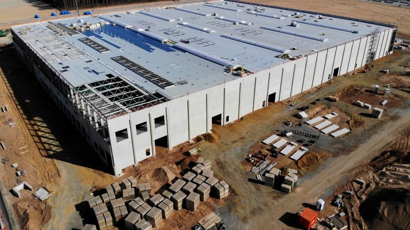 An Teslas Gigafactory Berlin soll auch Batterieproduktion stattfinden, was massiv gefördert wird.