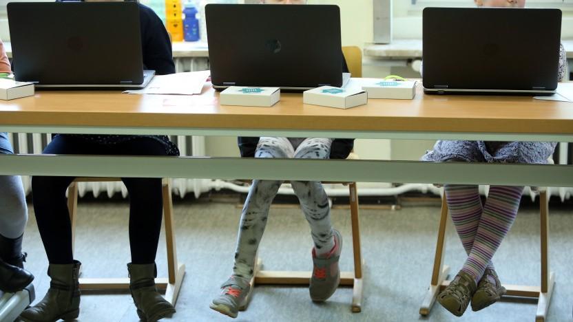 Ein Pflichtfach Informatik könnte Mädchen früh an die IT heranführen.