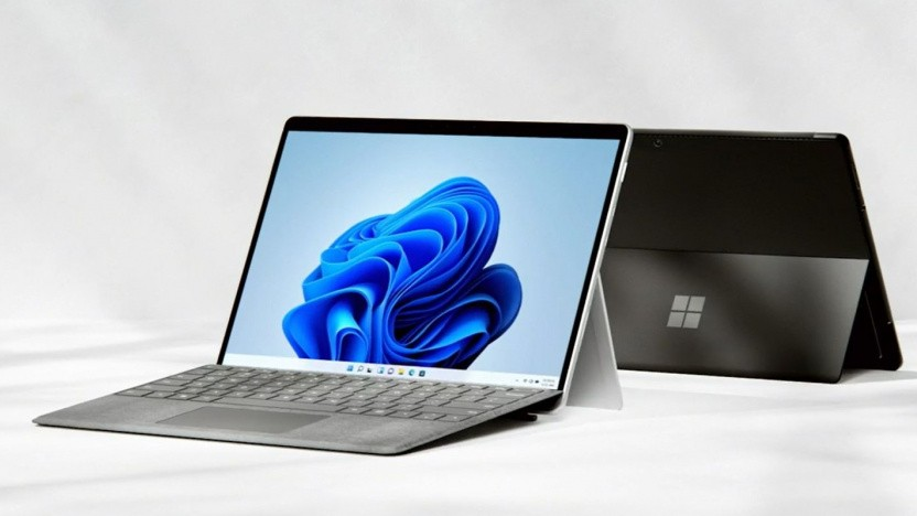 Das Surface Pro 8 kommt im neuen Design.