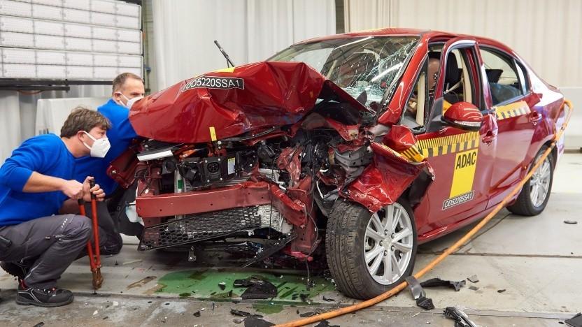 Elektroauto Suda SA01 nach dem Crashtest