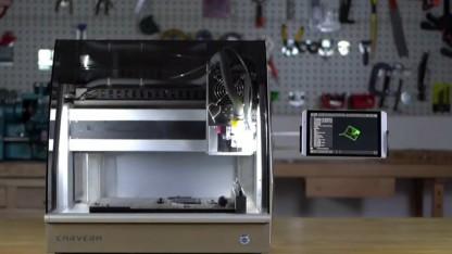 Carvera: CNC-Fräse für den Tisch wechselt Aufsätze selbstständig