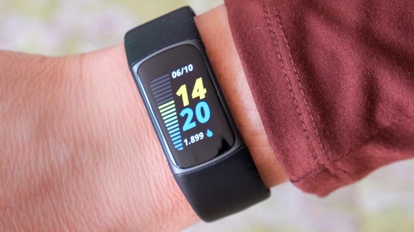 Das Standard-Zifferblatt des Fitbit Charge 5