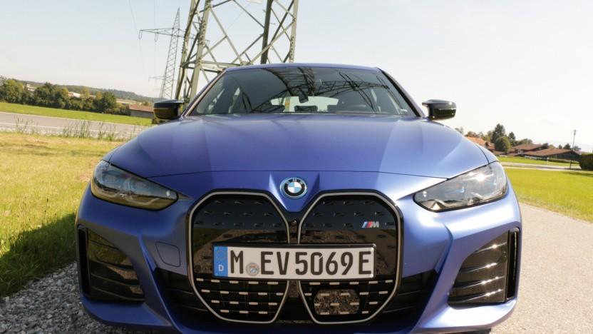 Der vollelelektrische BMW i4 M50 bietet viel Fahrspaß bei akzeptabler Reichweite.