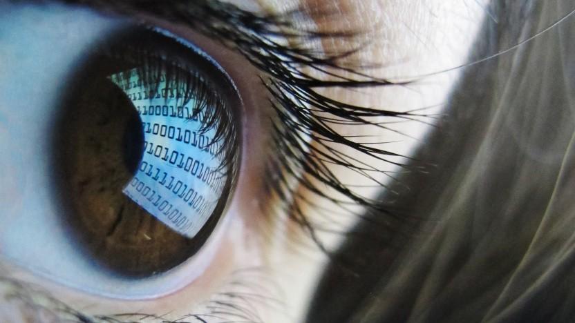 Blaulicht von Bildschirmen kann offenbar keine Schäden am Auge verursachen.