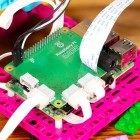 Build Hat: Neues Raspberry-Pi-Board steuert Lego Technic