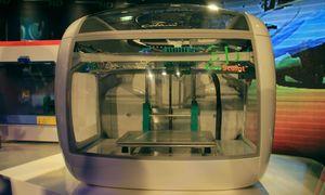 3D-Drucker, gestaltet von Designer Luigi Colani (Foto: Werner Pluta/Golem.de), 3D-Drucker