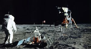 Landefähre der Apollo 11 und Buzz Aldrin auf dem Mond (Bild: Nasa), Apollo 11
