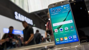 (Foto: JOHN MACDOUGALL/AFP/Getty Images), Samsung Galaxy S6