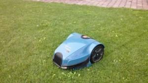 Ein Roboter im Test von Golem.de, Rasenmähroboter