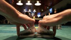 Poker wird auch online und in Casinos gespielt. (Bild: Reuters/Katoly Arvai), Poker