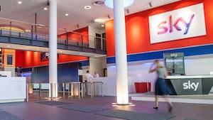 Empfang Sky-Firmensitz (Bild: Sky), Sky